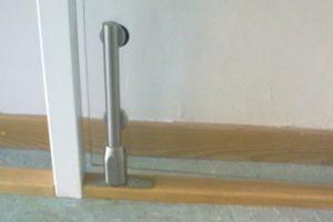 Sistema de porta pivoltante
