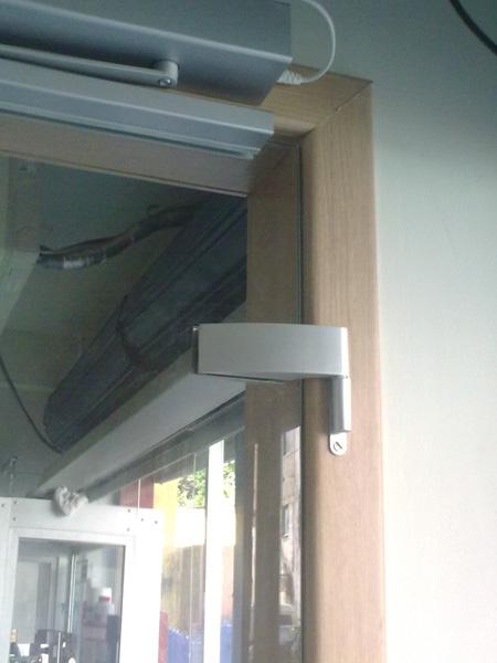 Porta de abrir com assistente de porta PORTEO. (2)